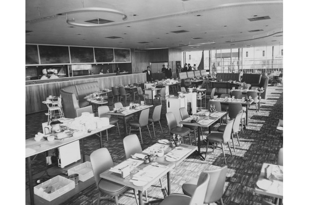 The Autogrill restaurant at the new Forte's Airport Hotel near Heathrow Airport, 10 March 1964. (Photo by J. Wilds/Hulton Archive/Getty Images)