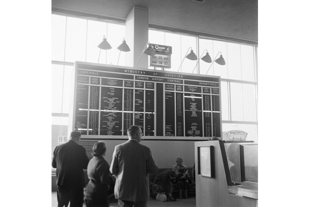 The arrivals and departures board at London Airport, later Heathrow, 30th August 1960. (Photo by Edward Wing/Express/Hulton Archive/Getty Images)