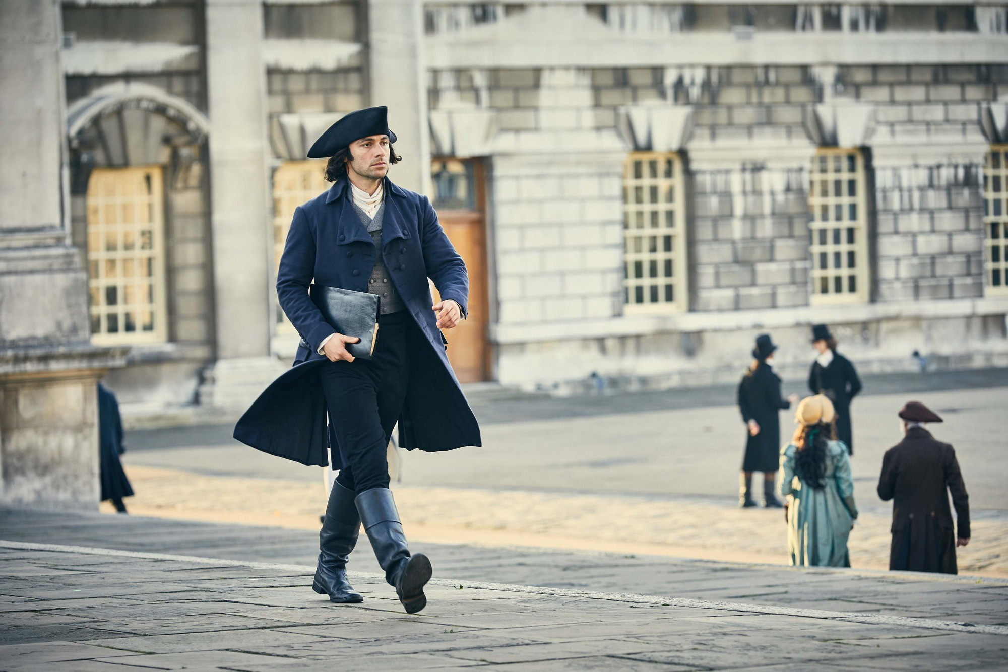 """Ross Poldark in London in the BBC's drama. The capital city was described in contemporary magazines and newspapers as the """"vortex of dissipation"""", says Hannah Greig. (Image Credit: BBC/Mammoth Screen/Robert Viglasky)"""