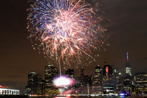 The Manhattan skyline is lit by fireworks during the 39th Annual Macy's 4th of July Fireworks on July 4, 2015 in New York City. (Photo by Andrew Toth/Getty Images)