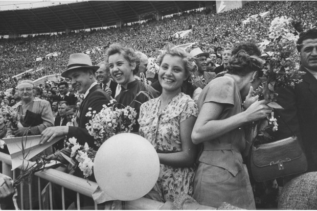 A crowd at the VI Lenin Stadium in 1956. (Photo by Lisa Larsen/The LIFE Picture Collection/Getty Images)