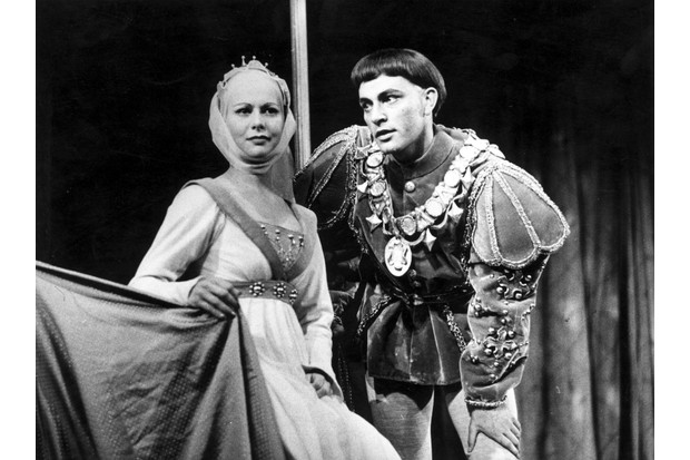 Richard Burton as Henry V wooing Princess Katherine (Hazel Penwarden) after the victory at Agincourt, in Shakespeare's Henry V, 1951. (Photo by Maurice Ambler/Picture Post/Getty Images)