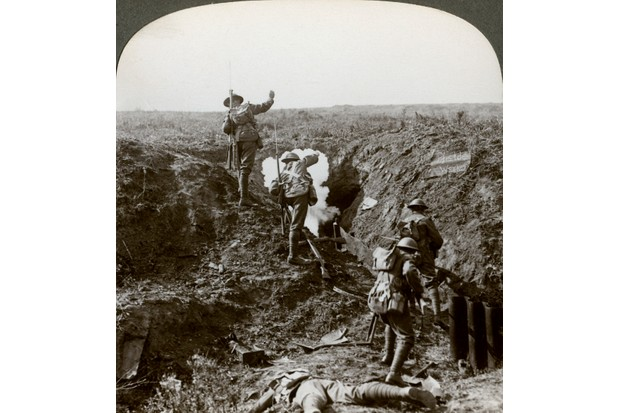 British soldiers attacking the Hindenburg Line, the final line of German defences on the western front, during the First World War. (Photo by The Print Collector/Print Collector/Getty Images)