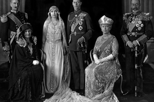 8 Unusual Royal Wedding Dresses Through History History Extra