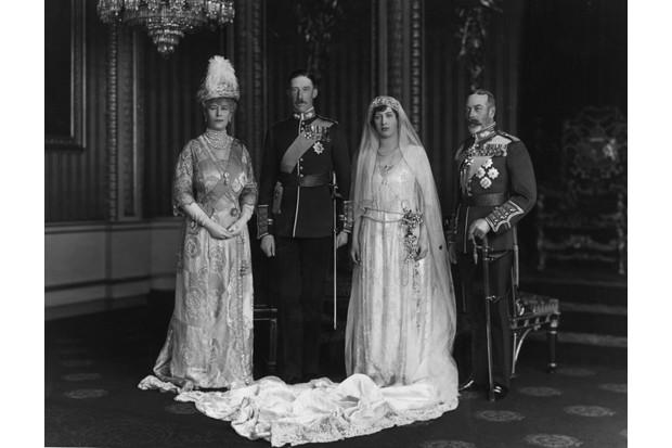 8 Unusual Royal Wedding Dresses Through History History Extra