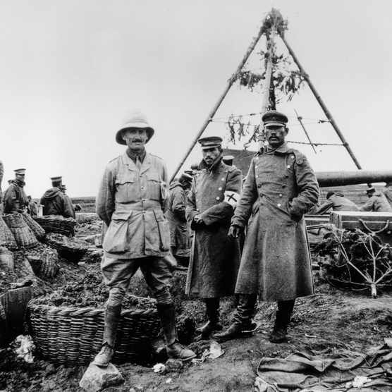 A British officer stands alongside two of his Japanese counterparts in 1914 in Tsingtao (now Qingdao). Japanese troops played a key role in the capture of that strategic German concession in north-east China. (Photo by Getty Images)