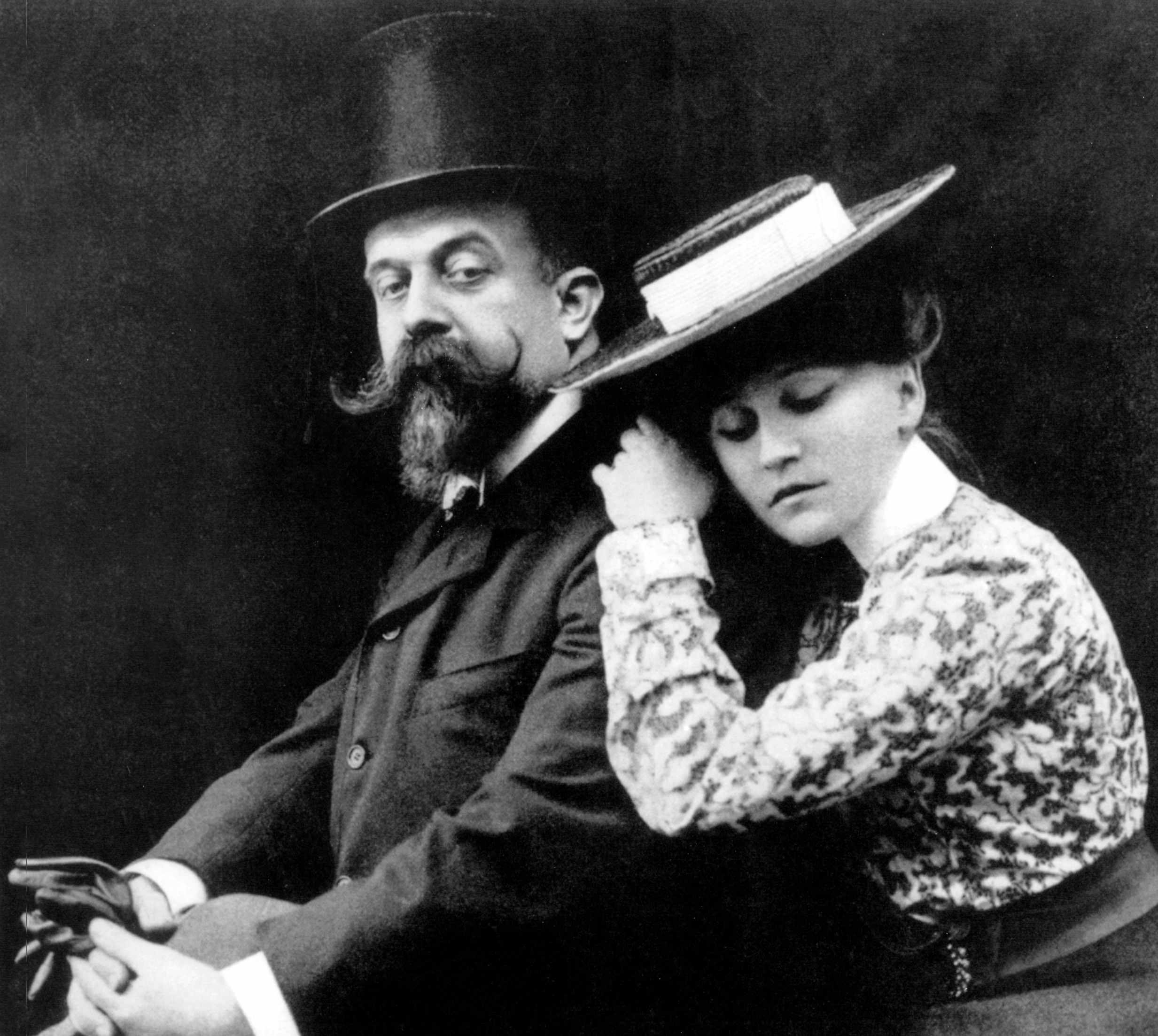 French writer Sidonie-Gabrielle Colette and husband Willy, photographed c1902. (Photo by Apic/Getty Images)