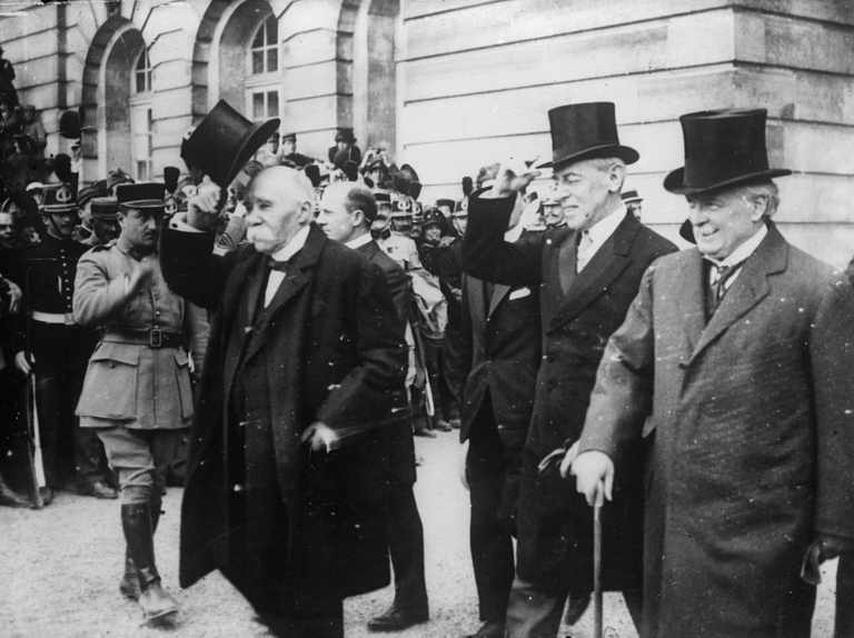 Did the Versailles peace treaty trigger another world war?