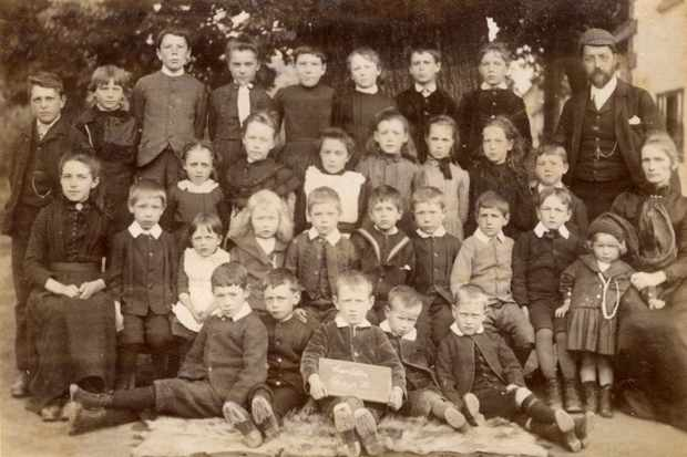 The Shaftesbury Welcome Ragged School in Battersea , 1899. Classes of 40 were not rare, and they could stretch to 80 during staff shortages. (Photo by Mary Evans)