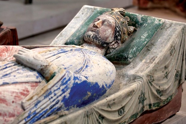 How did Richard the Lionheart die? And where is he buried?