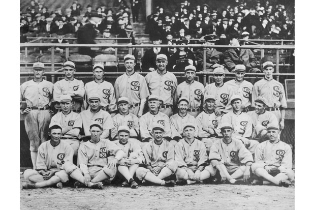 Group shot of the 1919 White Sox baseball team. (Image by Bettmann/Getty Images)