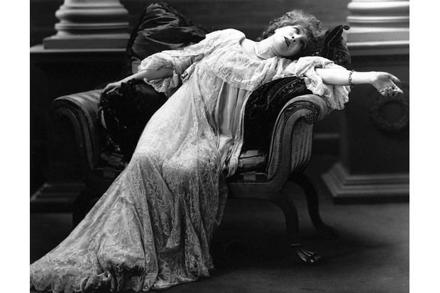 Actress Sarah Bernhardt, in a scene from an unnamed theatre production. (Photo by Hulton Archive/Getty Images)