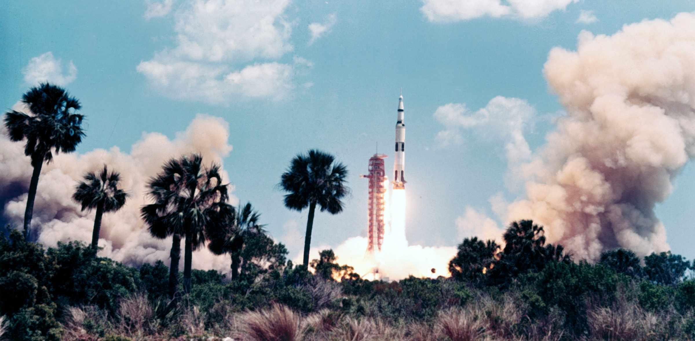 apollo 16 launch - HD2400×1178