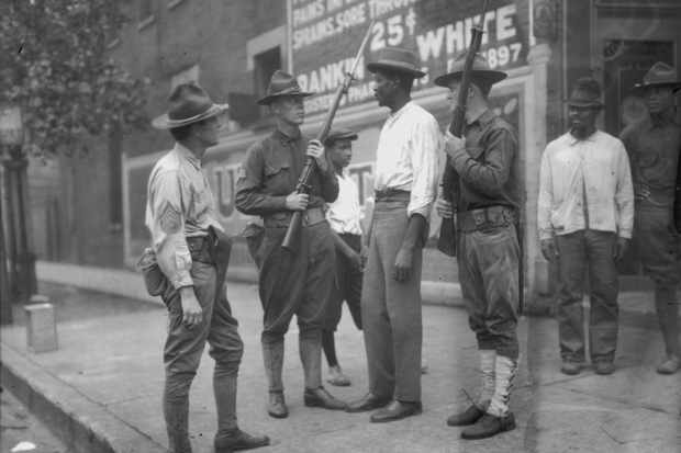 National guardsmen confront confront citizens during Chicago's race riots