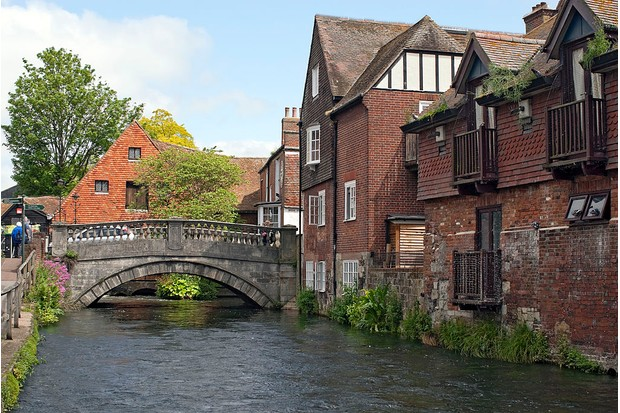 River Itchen and houses in Winchester