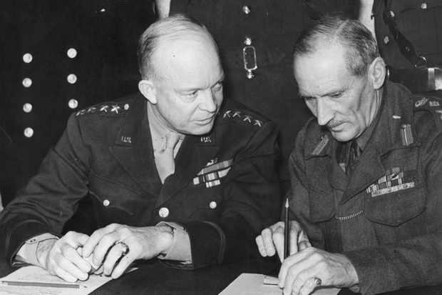 E0KPFJ President Eisenhower and General Montgomery
