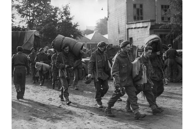 British soldiers return from Arnhem