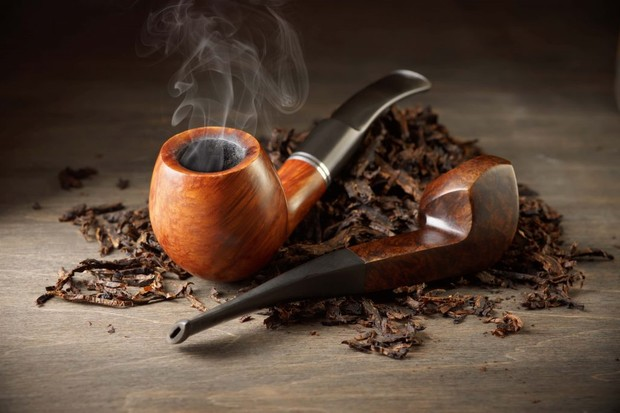 Photo of pipe and tobacco