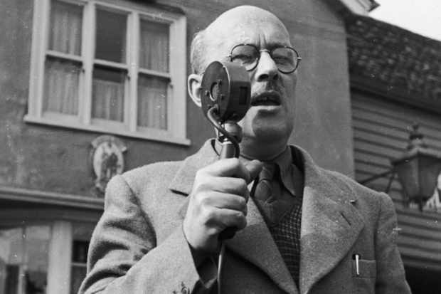 British journalist Tom Wintringham (1898–1949), the candidate for the Christian Socialist Commonwealth Party. (Photo by Haywood Magee/Picture Post/Hulton Archive/Getty Images)