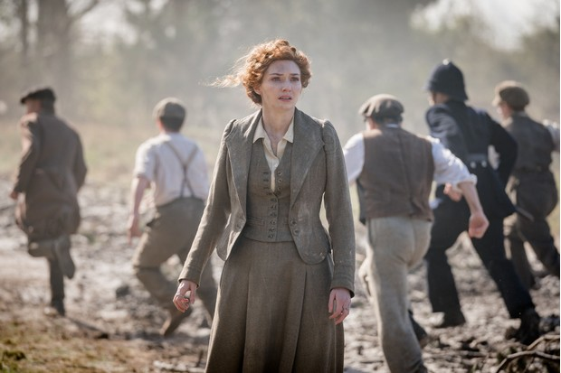 Actress Eleanor Tomlinson starts in the new BBC adaptation of HG Wells's 'The War of the Worlds'. (Photo by BBC/© Mammoth Screen 2018)