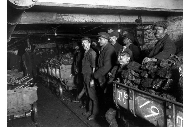 c1910: Coal miners in the pits at Bargoed, near Cardiff