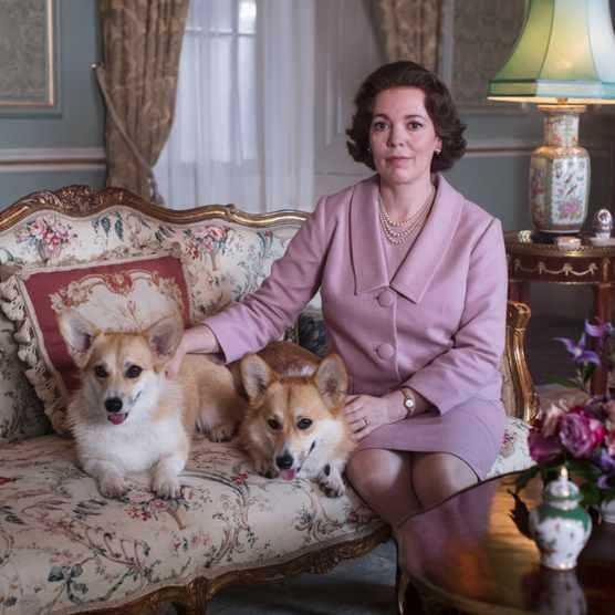 Olivia Colman plays Elizabeth II