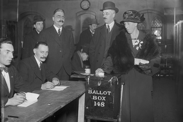 A voter in a British election in 1923.