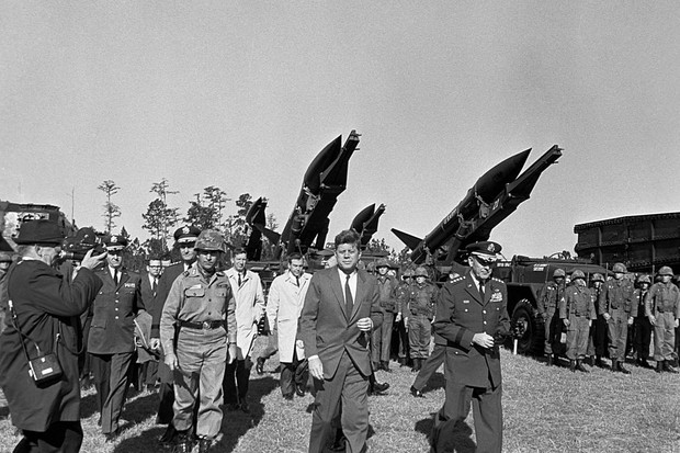 John F Kennedy with US Army officials during the Cuban missile crisis