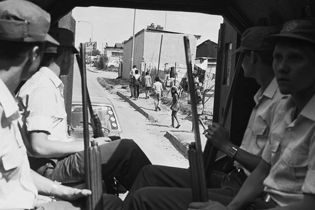 Wayne Dooling answers listener questions on South Africa's Apartheid regime. (Image by Getty Images)