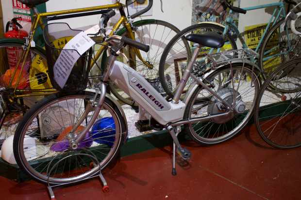 Early e-bike from Raleigh