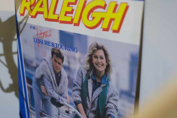 Is that Anthea Turner and Nick Berry advertising Raleigh?
