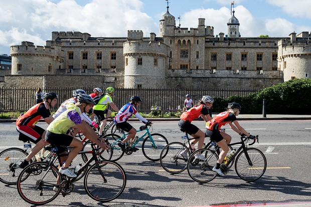 Riders pass the Tower of London in the Prudential RideLondon-Surrey 100 30/07/2017 Photo: Ben Queenborough/Silverhub for Prudential RideLondon Prudential RideLondon is the worldís greatest festival of cycling, involving 100,000+ cyclists ñ from Olympic champions to a free family fun ride - riding in events over closed roads in London and Surrey over the weekend of 28th to 30th July 2017. See www.PrudentialRideLondon.co.uk for more. For further information: media@londonmarathonevents.co.uk