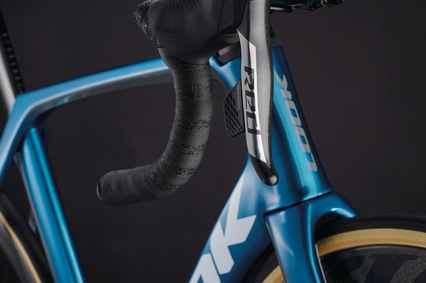 SRAM Red shifters on a Look 795 Blade RS