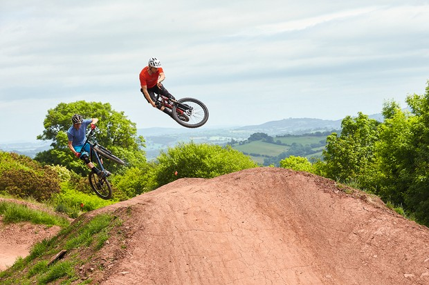 Jumping to £1000 hardtails at Black Mountain Cycle Centre