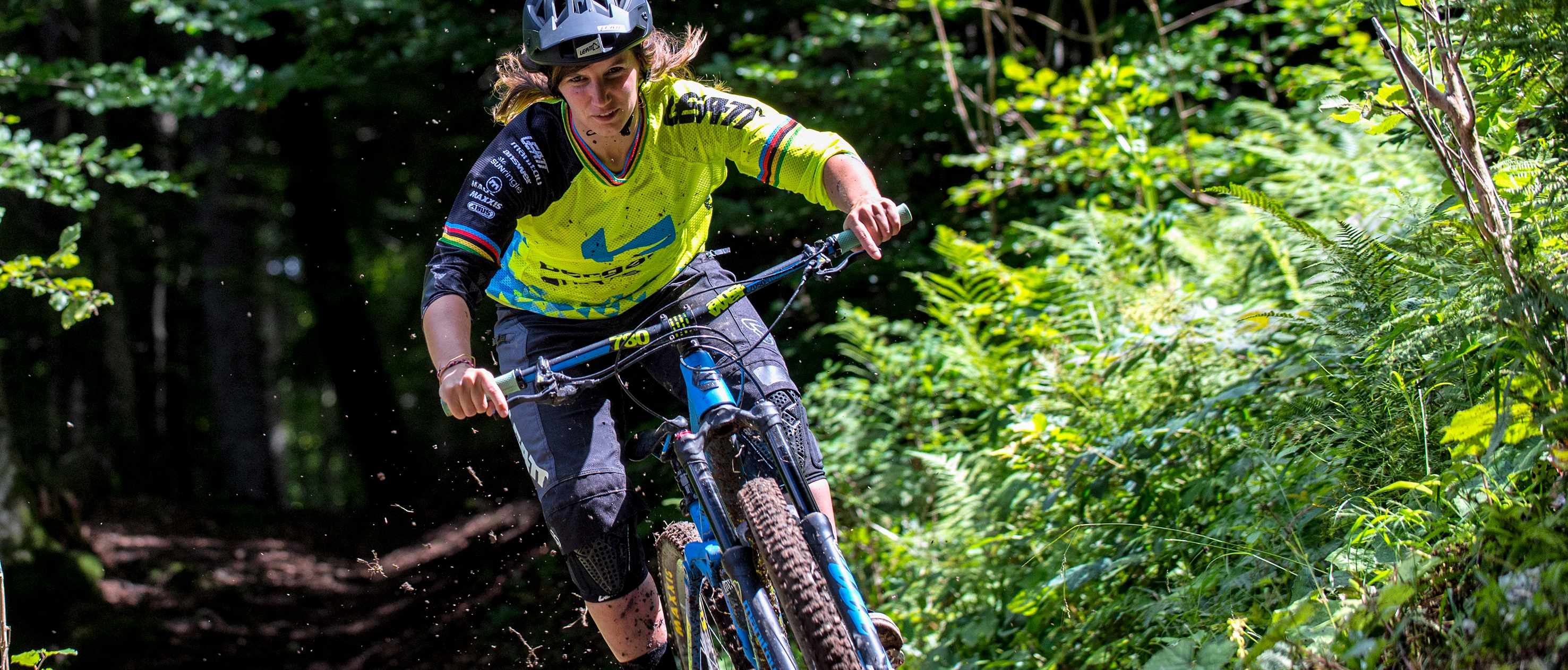 Morgane Charre pins the trails in Samoens