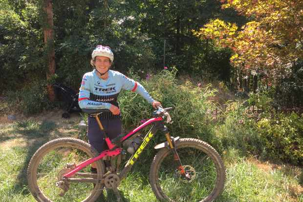 Tracy Moseley and her Trek Fuel EX 29er at the Downieville Classic