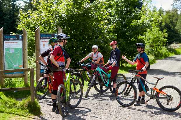 The MBUK Wrecking crew are joined by Martha Gill and Tracy Moseley at Glentress. Credit: Steve Behr