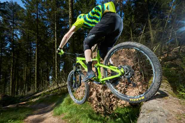 Action shot of Norco Optic C9.2