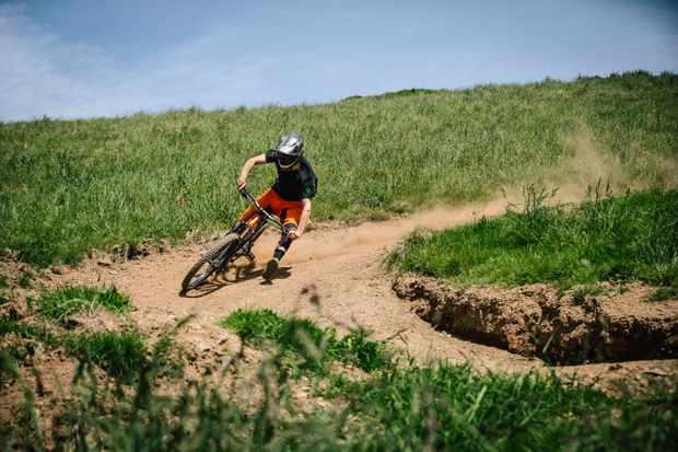 ed-thomsett-woody's-bike-park-drift-blue-trail