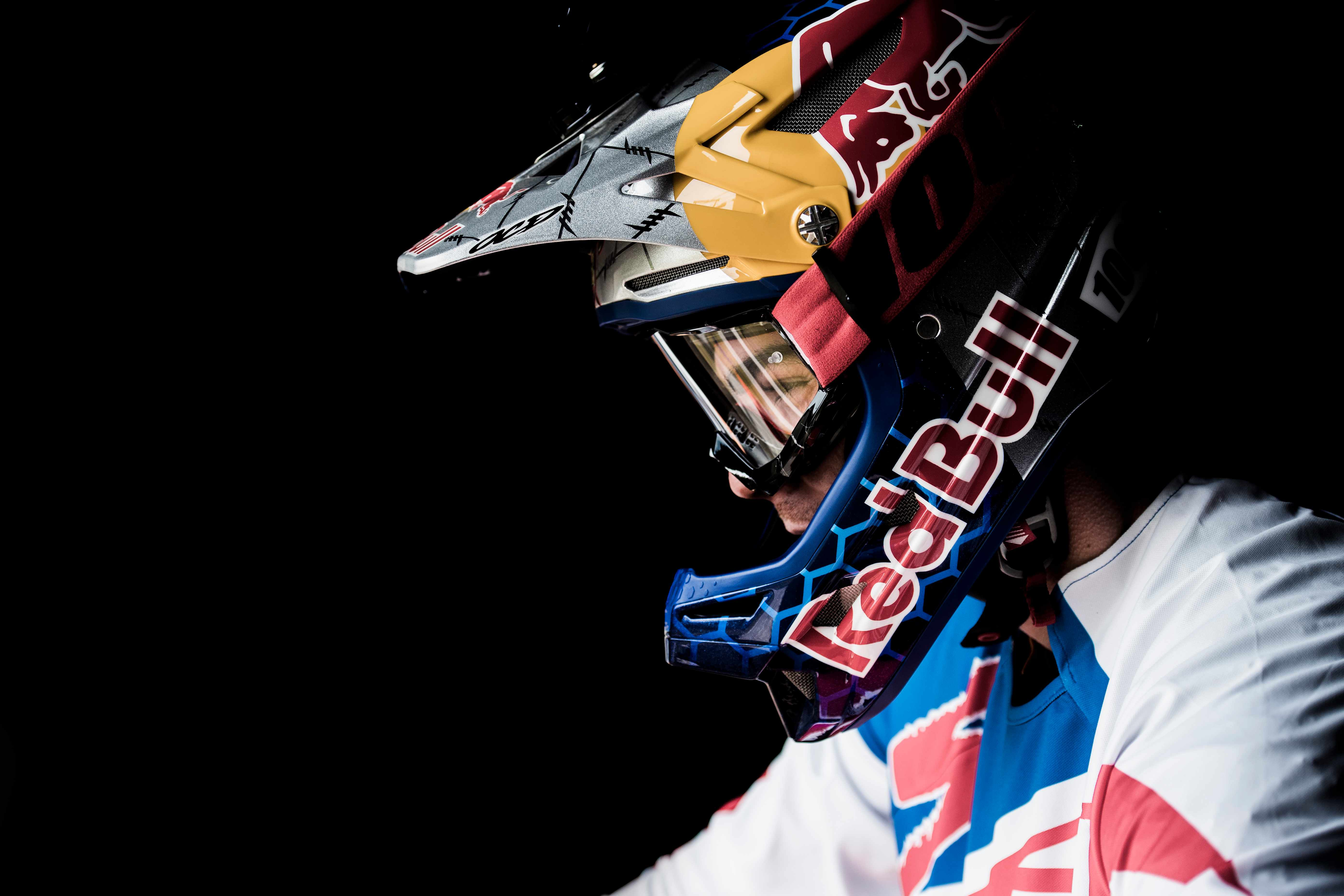 loic-bruni-cairns-world-champs-red-bull-content-pool