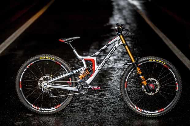 Santa Cruz's prototype V10 29er downhill bike