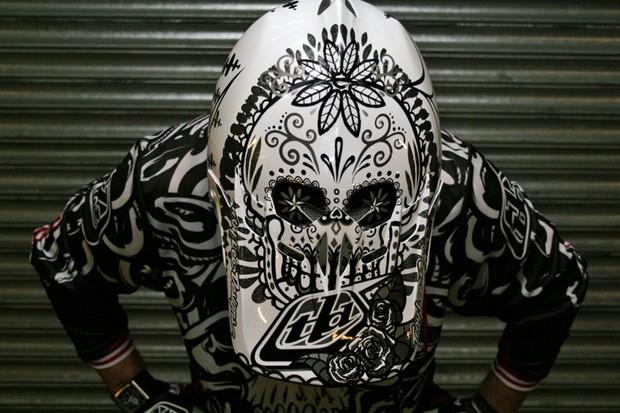 Rob Weaver wears Troy Lee Designs helmet with skulls