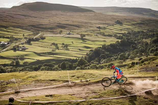 Alex Bond rides the ard rock enduro on his GT bicycles Sanction