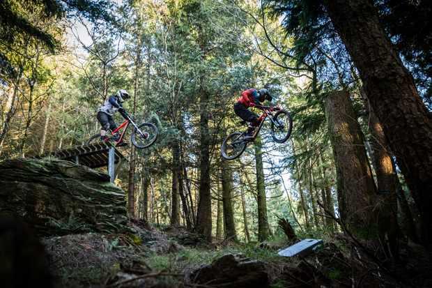 Ed Thomsett and Jasper Flashman ride Gawton DH tracks on an MBUK Wrecking Crew photoshoot