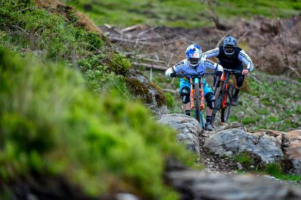 Rachel Atherton and MBUK Staff Writer Ed ride together in Dyfi, Wales