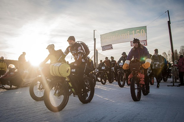 riders at the start line of the Rovaniemi 150