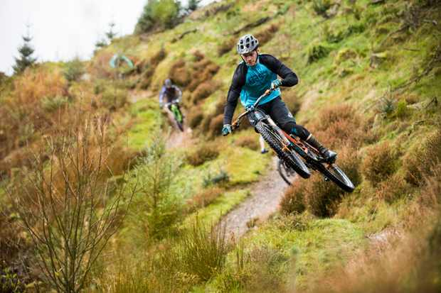 Frazer McCubbing rides Ae forest with the MBUK Wrecking Crew