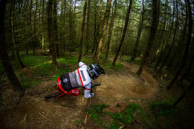 Marc Beaumont rides a Saracen at Revolution Bikepark for an MBUK photoshoot