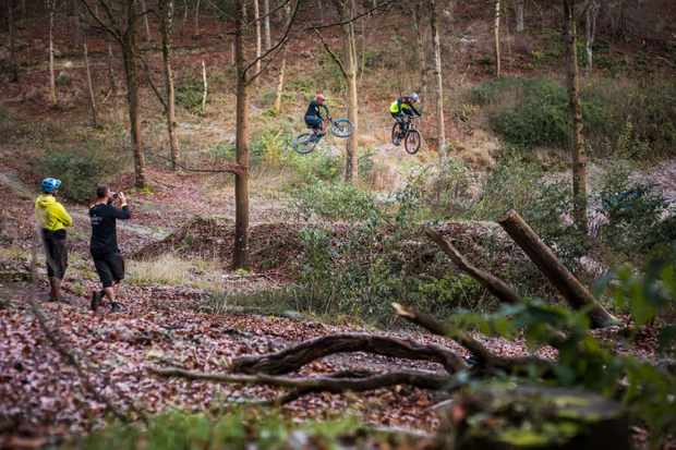 oli wilkins and tim ponting ride okeford hill bike park in dorset