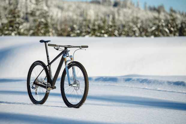 Gustav Gulhollm's Scott Scale RC in the snow in Sweden